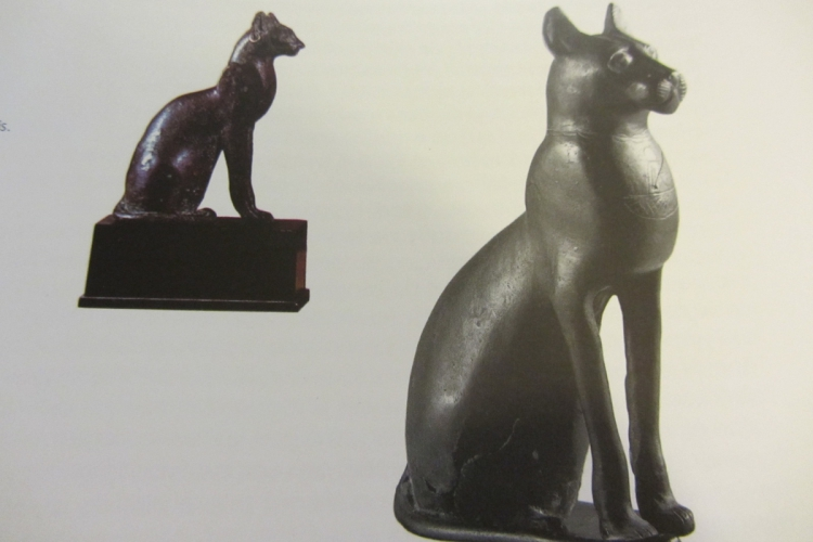 Statues égyptiennes