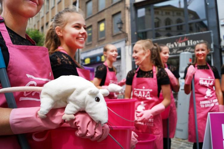 In actie met GAIA tegen dierproeven